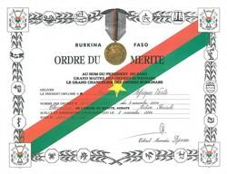 Afrique Verte, Chevalier de l'ordre du mérite au Burkina Faso en 2004.