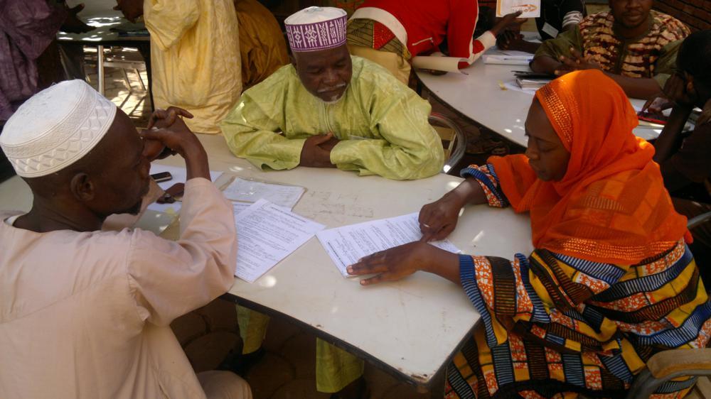 Bourse aux céréales, signature-contrats-Ouaga-12-2012