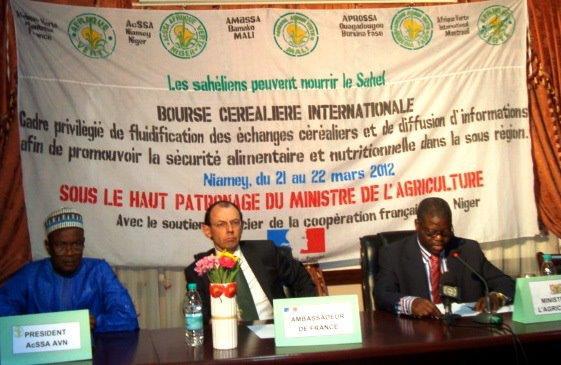 Présidium de la bourse internationale au céréales de Niamey, mars 2012